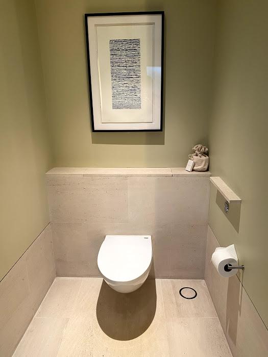 Capella toilet