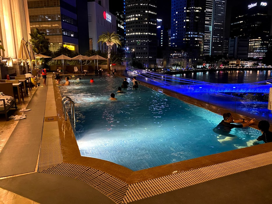The Fullerton Hotel pool